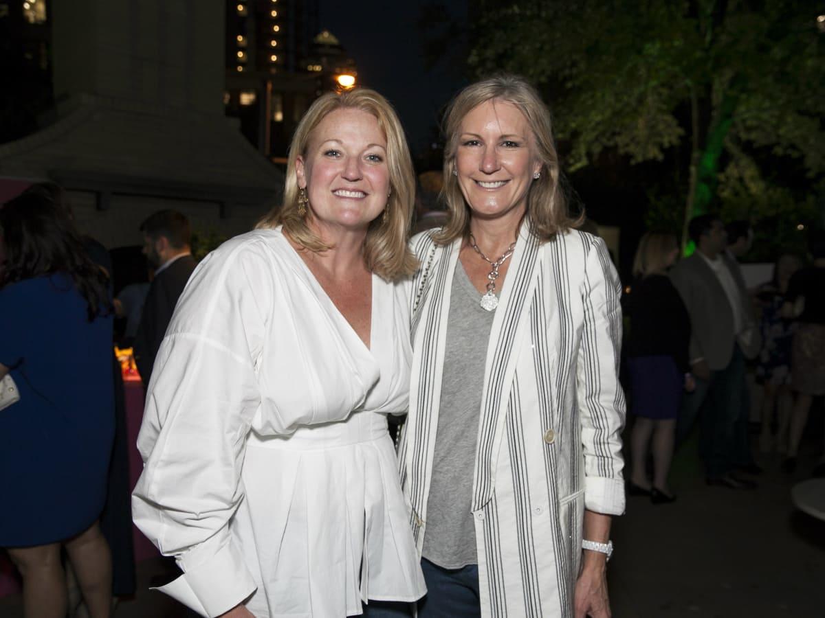 Susan Scull, Wanda Gierhart