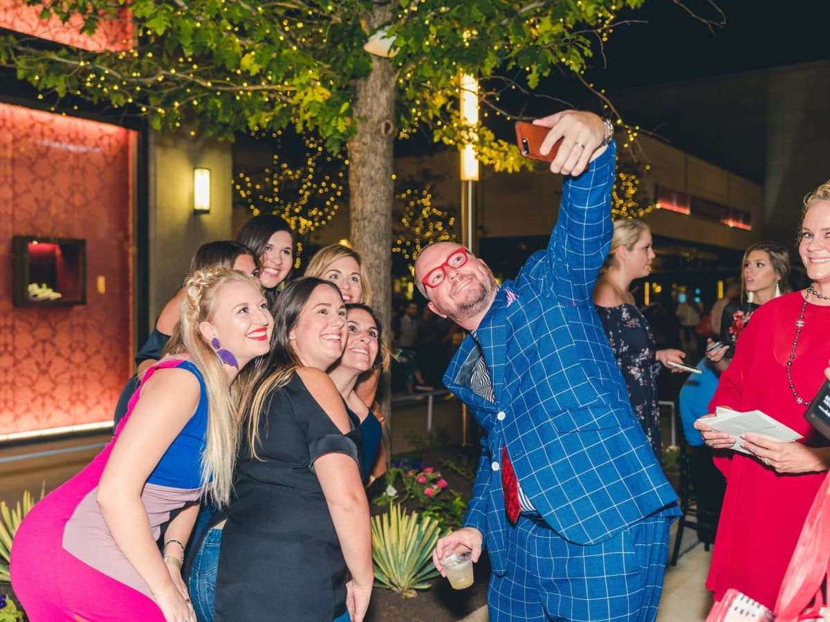 matt swinney takes a selfie at Fashion X Houston