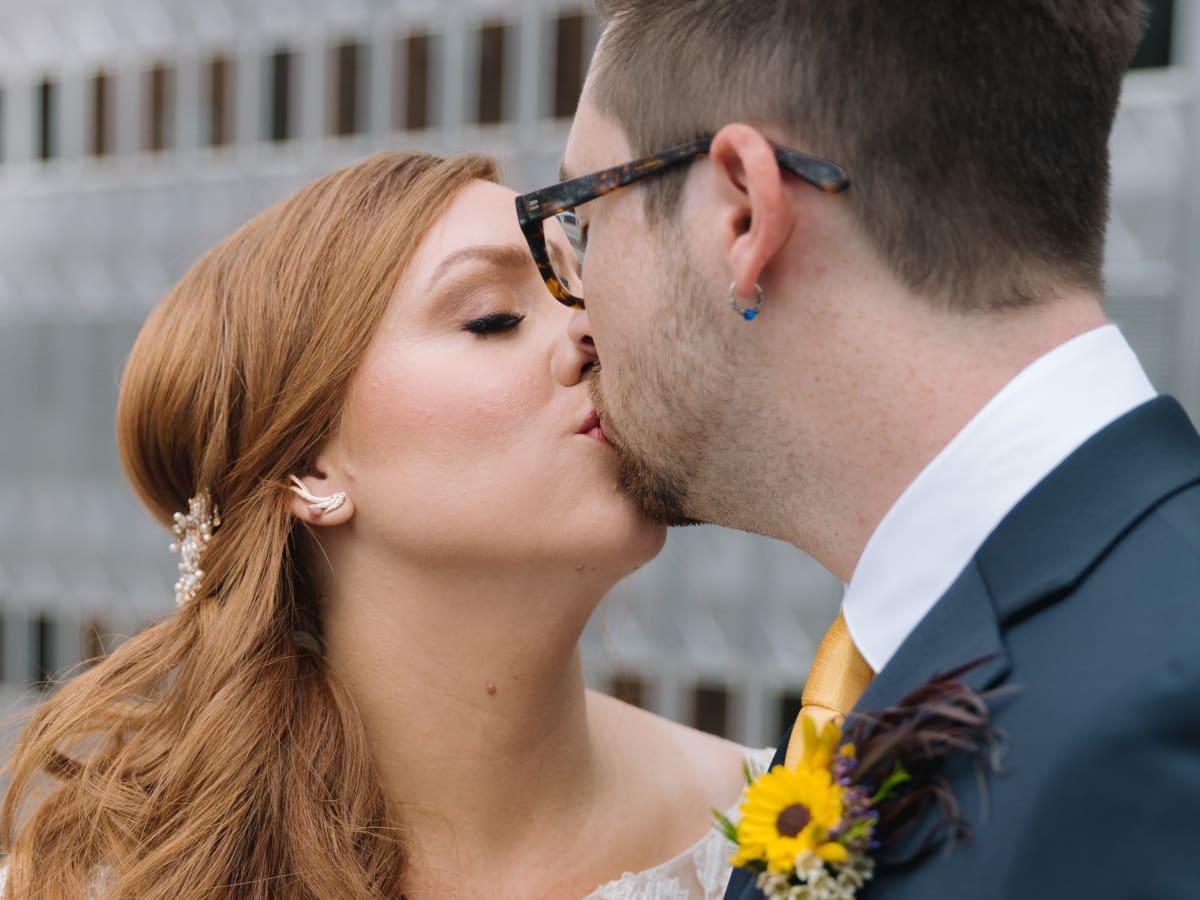 Collins Wedding, Kiss