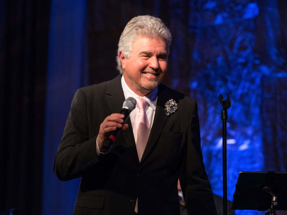 Steve Tyrell sings at Memorial Hermann Razzle Dazzle luncheon