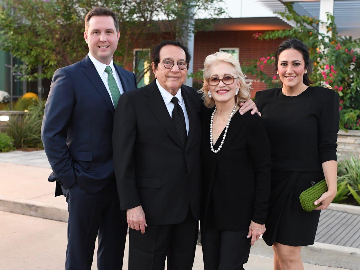 Todd Forester, Vincent Kickerillo, Mary Kickerillo, Kelli Kickerillo at Dress for Success Cuisine for a Cause