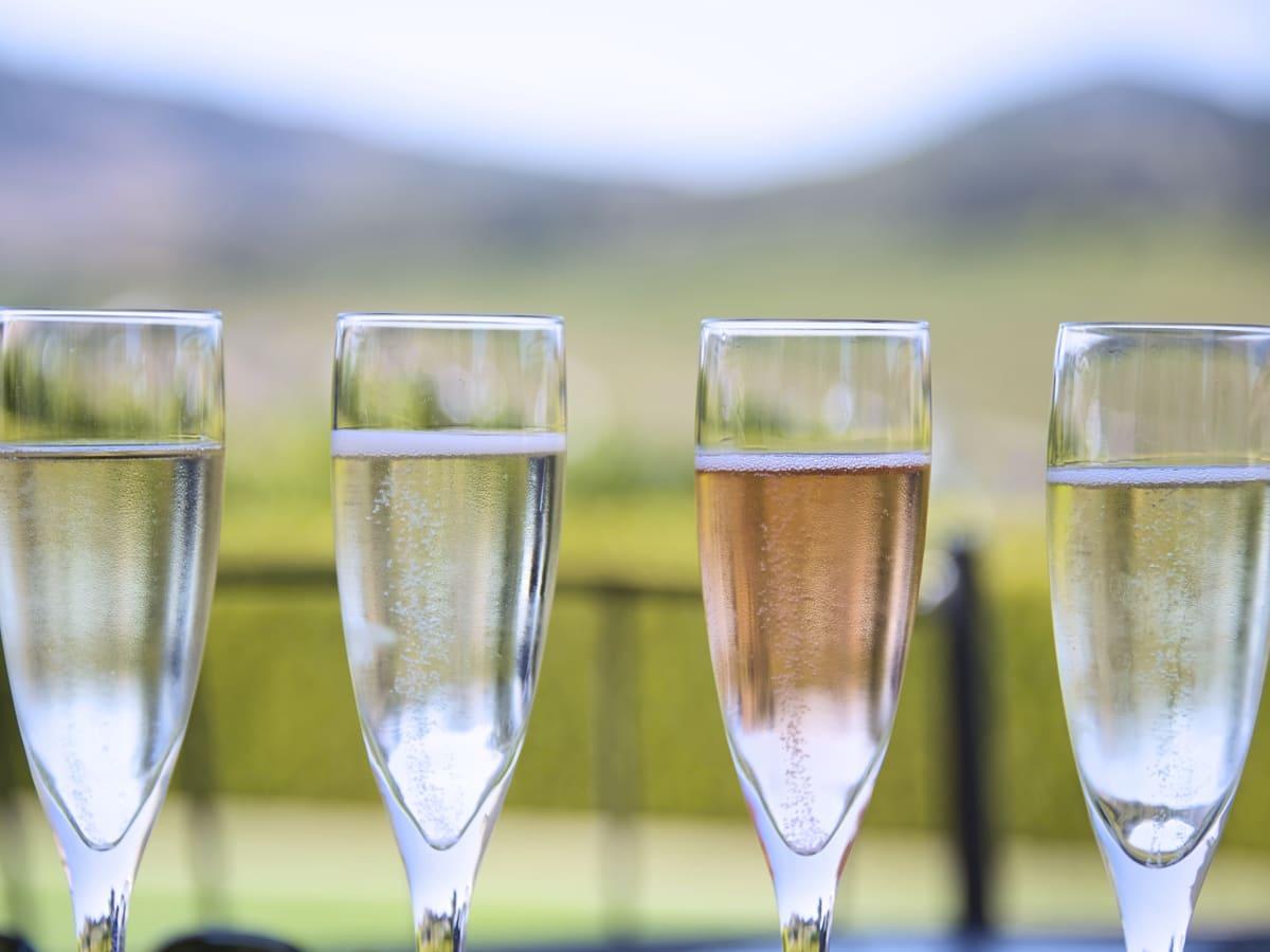 Champagne flight, Ellerbe