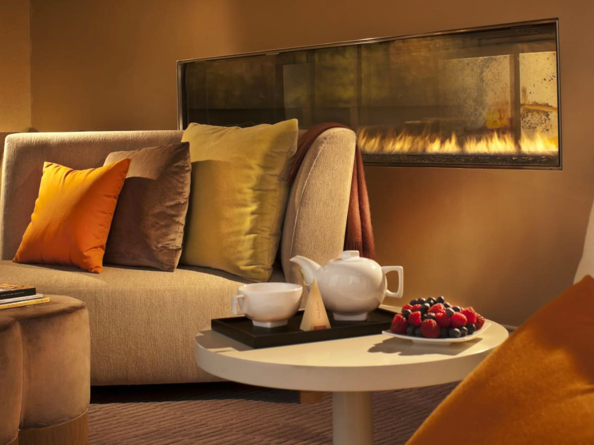 Omni Dallas spa relaxation room