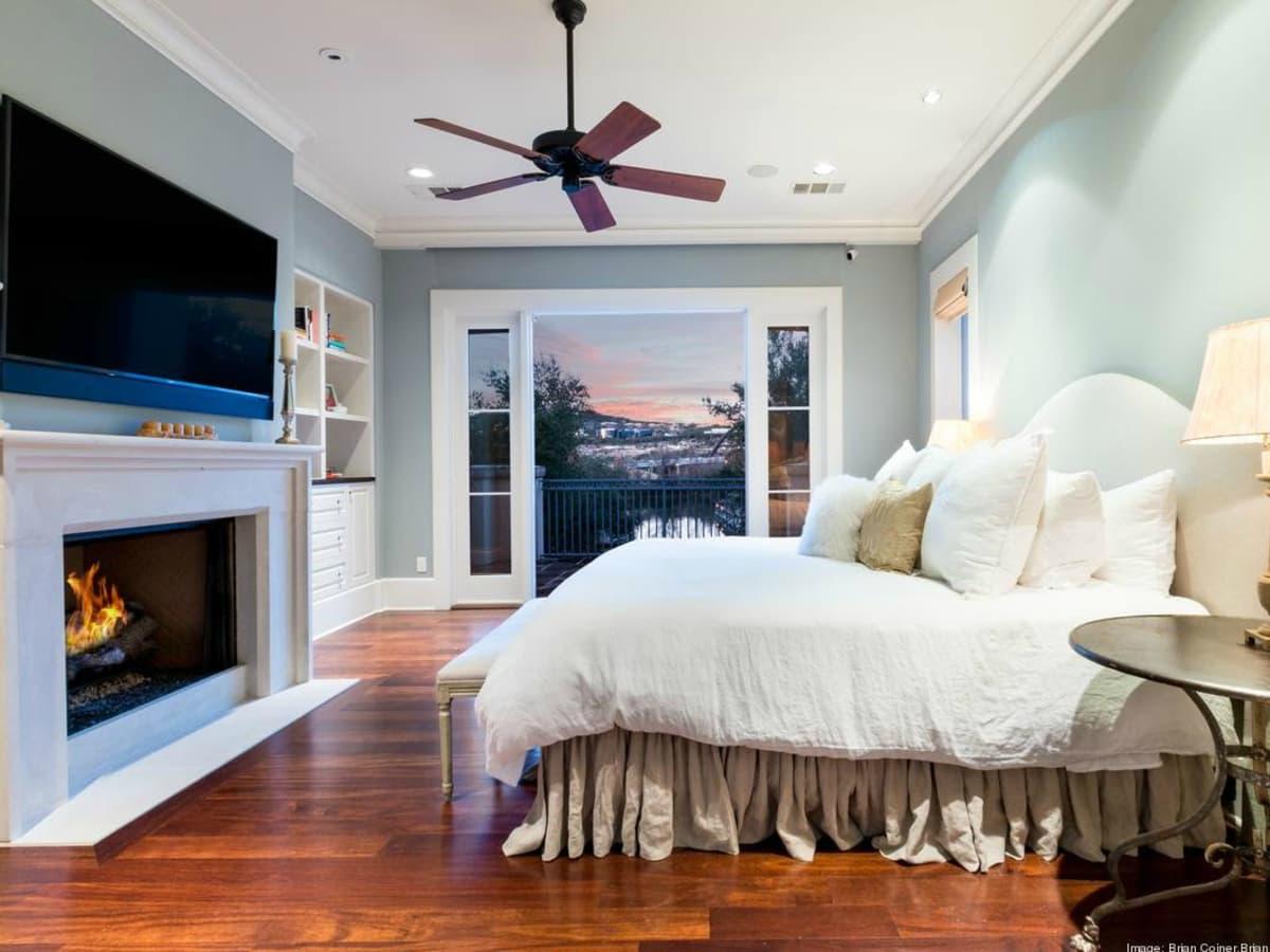 Dennis Quaid Lake Austin Bedroom