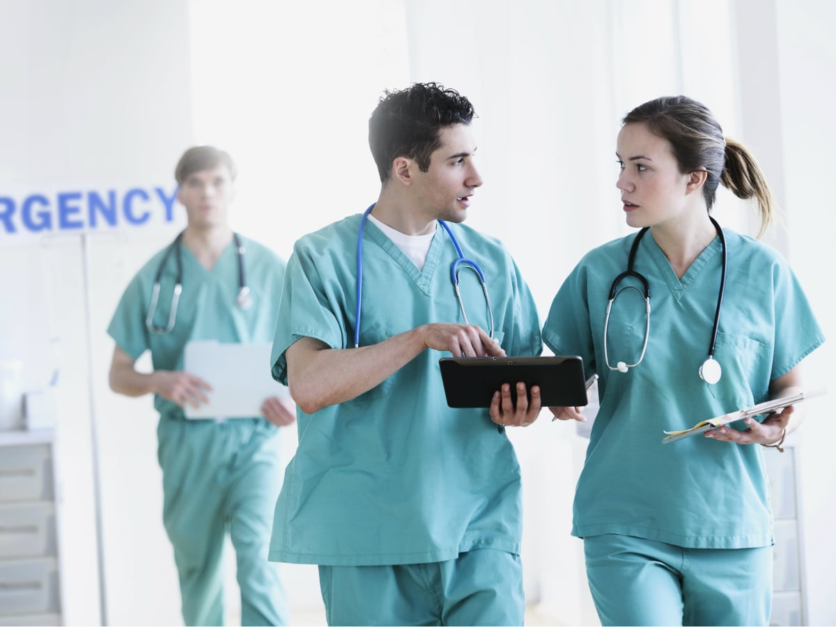 Doctors in an emergency room