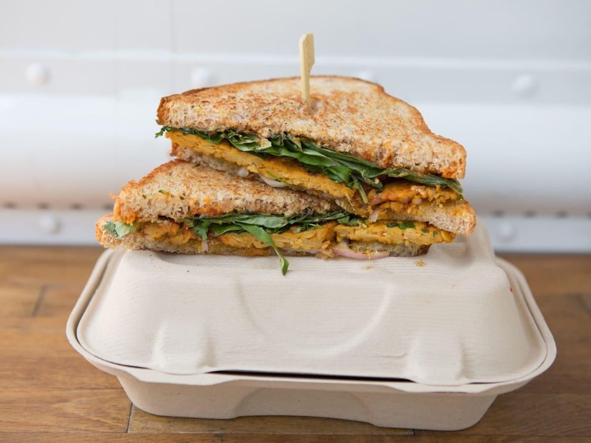 Ripe cuisine spicy Thai peanut butter sandwich