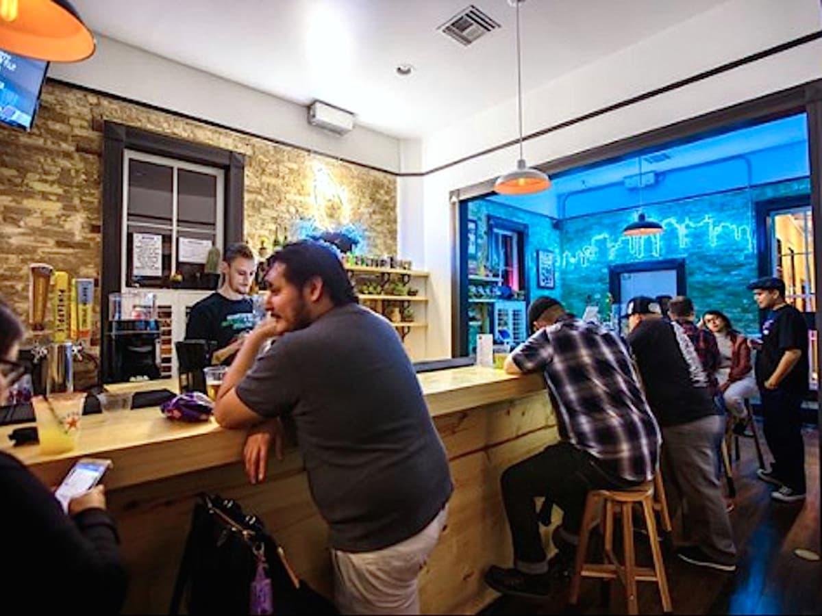 San Antonio, Con Safos and CommonWealth Coffee at Hemisfair, January 2018, the bar