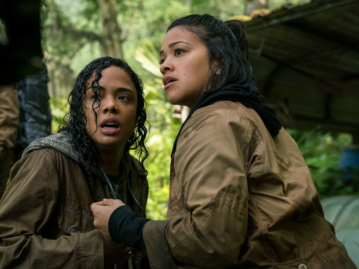 Tessa Thompson and Gina Rodriguez in Annihilation