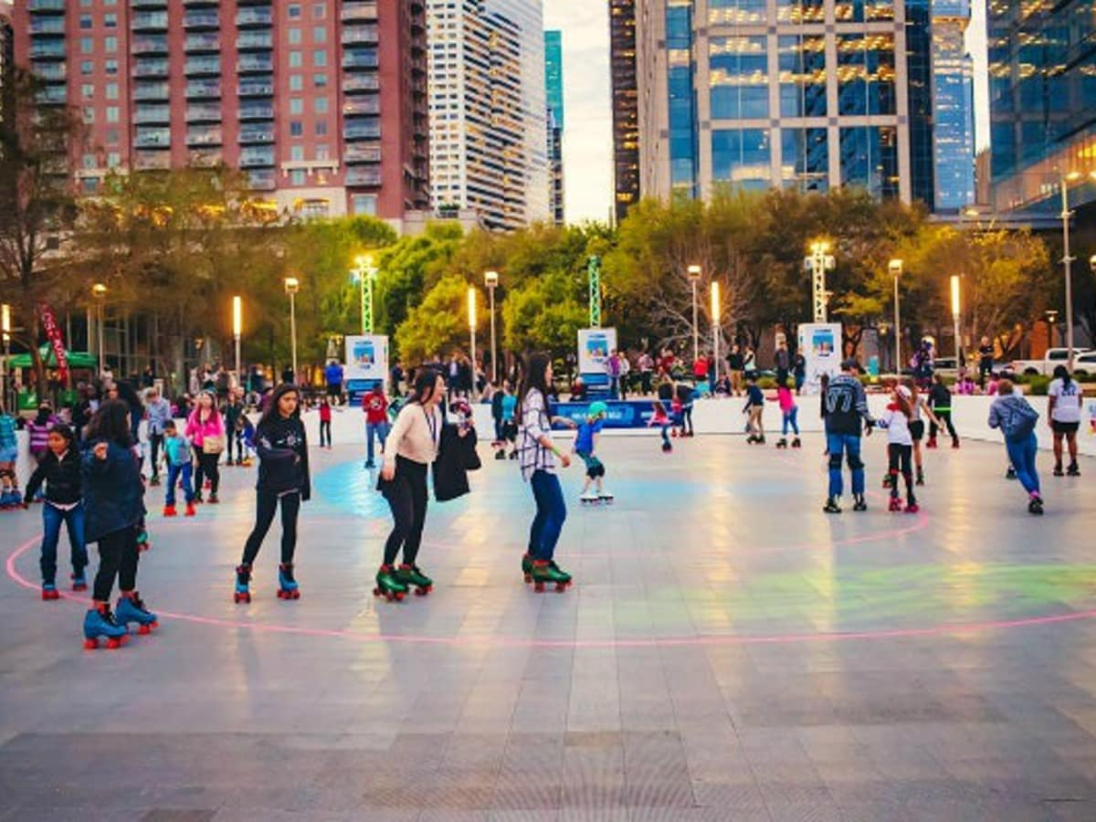 Discovery Green roller skating c