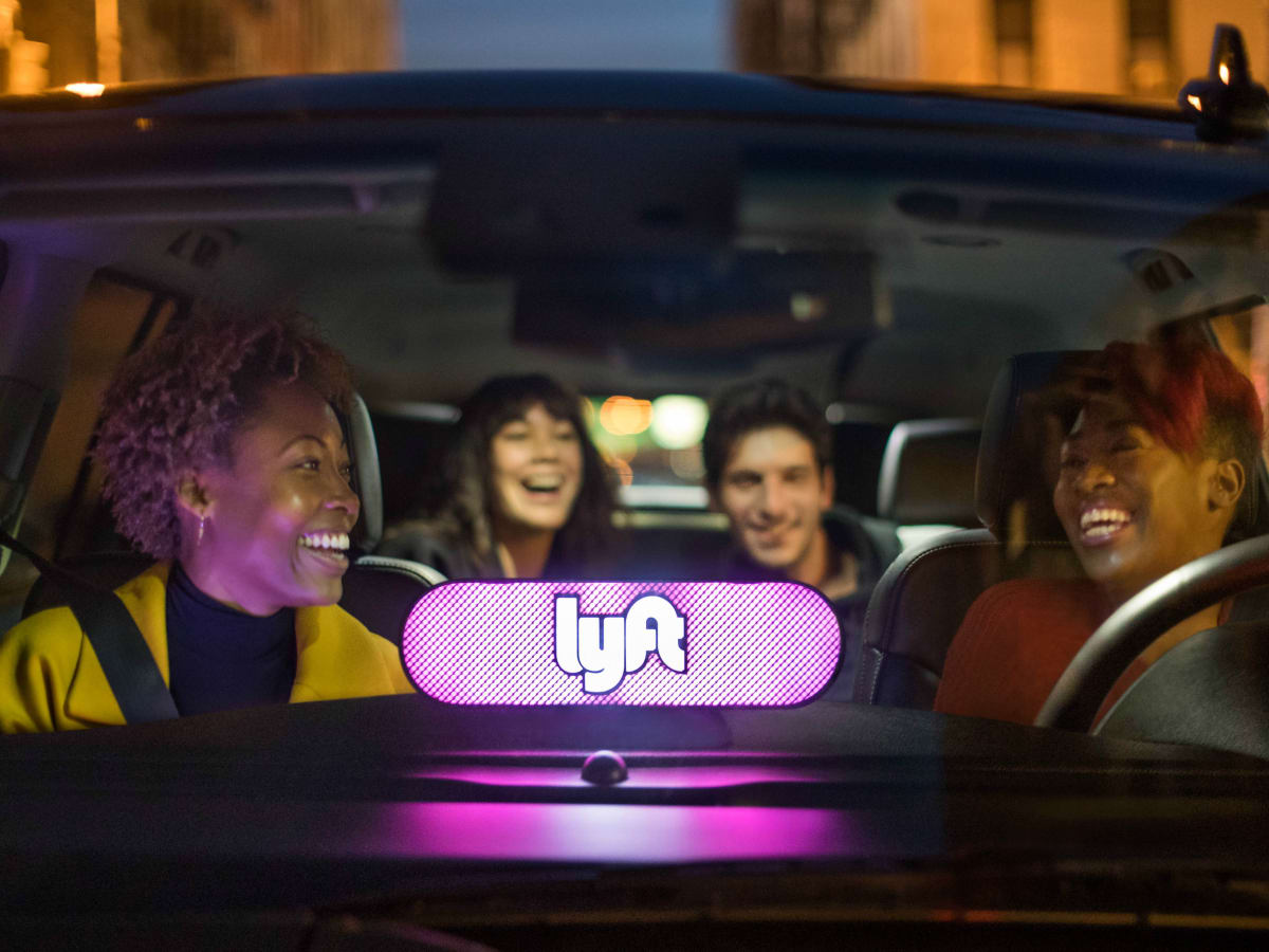 lyft riders in car