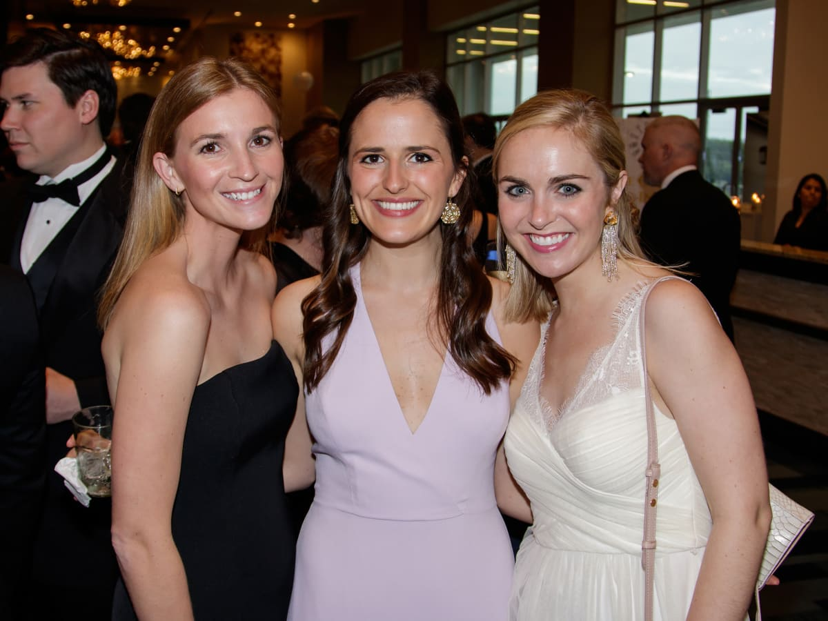 Taylor Cantrell, Sally Arnold, Lindsey Miller