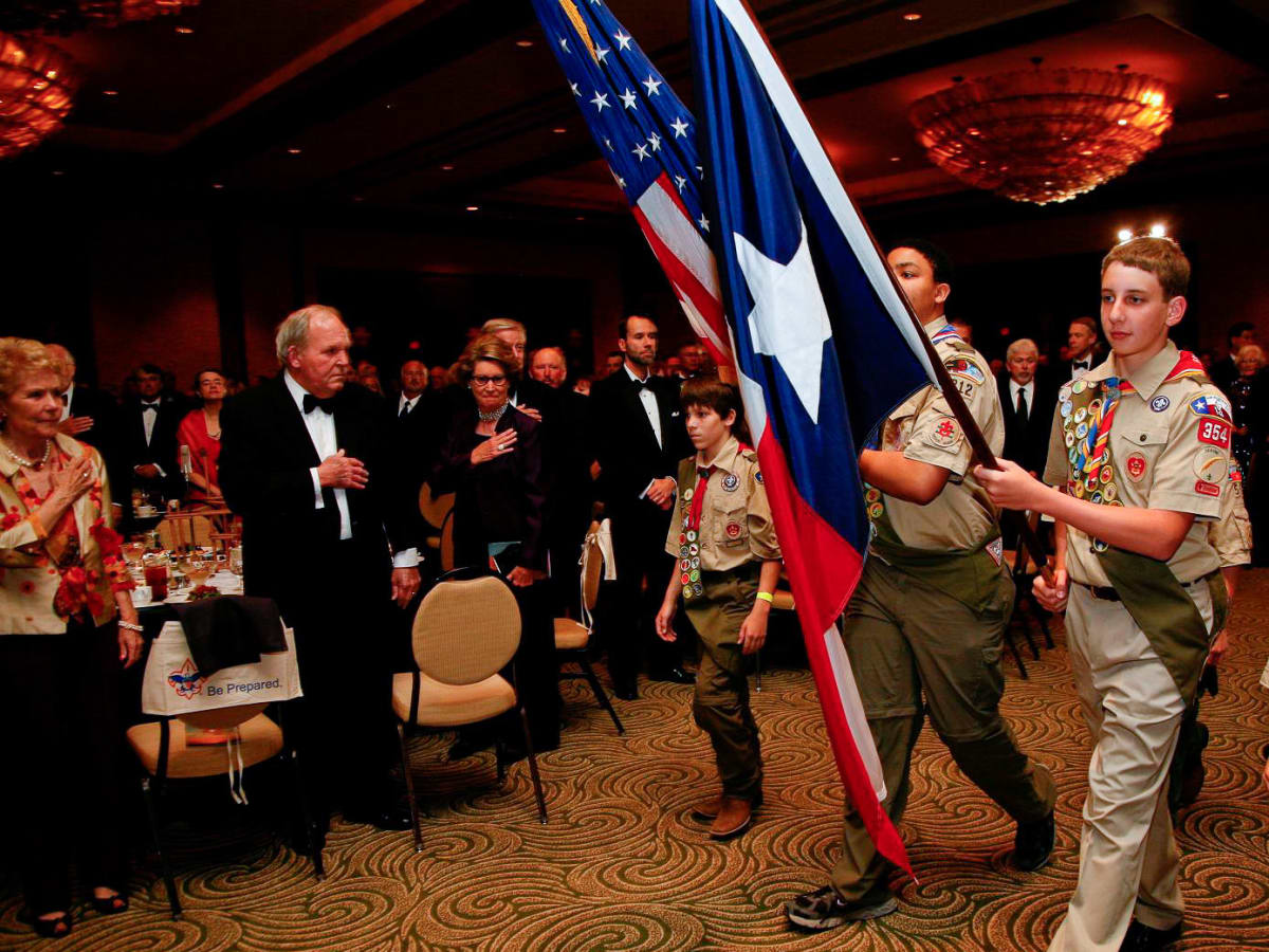 News_Boy Scouts dinner_April 2011_Color Guard