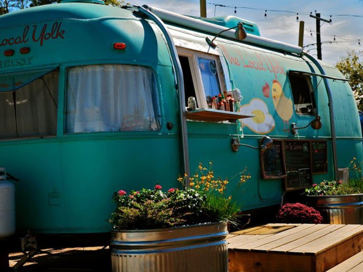 Austin Photo: Place_Food_the_local_yolk_exterior