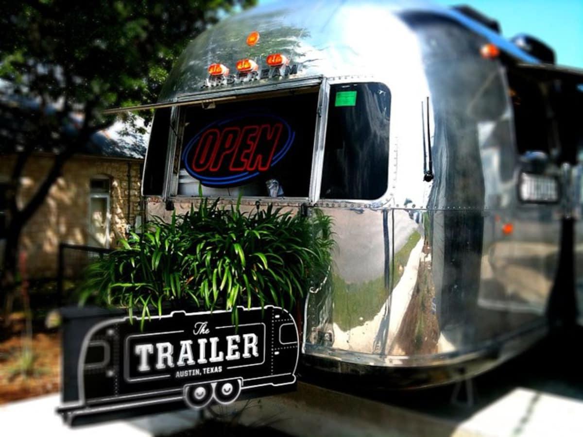 Austin Photo: Places_Food_official_muncher_exterior