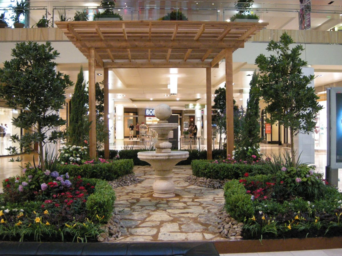 Spring\'s in bloom at The Galleria: Primavera flowers take over the ...