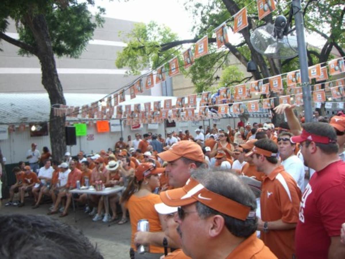 Austin Photo: places_food_scholz garten_exterior