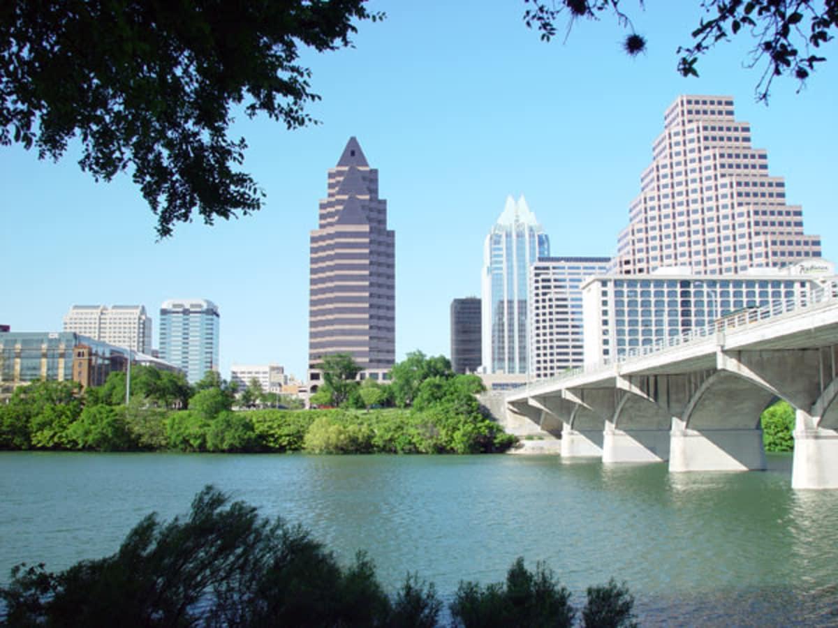 Austin_photo: places_outdoors_ladybird_downtown