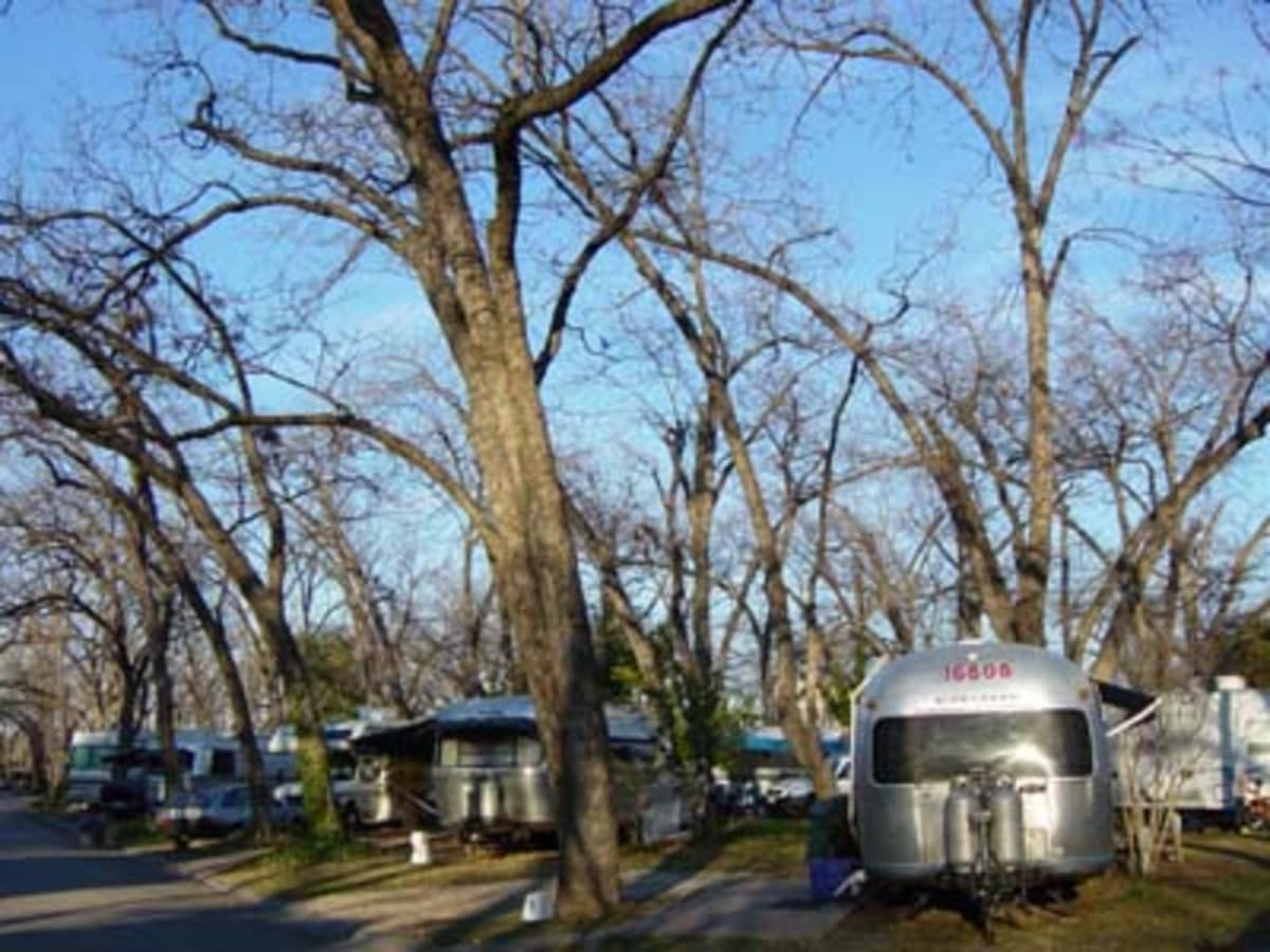 Austin_photo: places_outdoors_pecan grove rv park_trailers