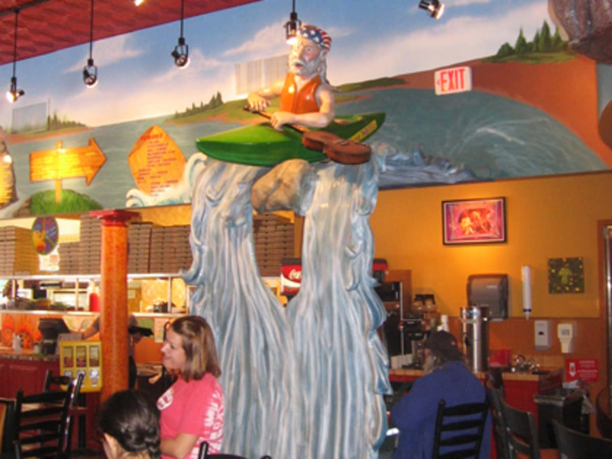Austin_photo: places_food_mellowmushroom_interior