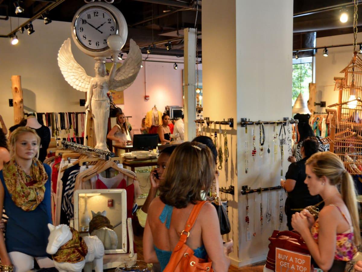 Austin Photo Set: News_Kelly Wendt_afw 2nd st_aug 2012_langford market