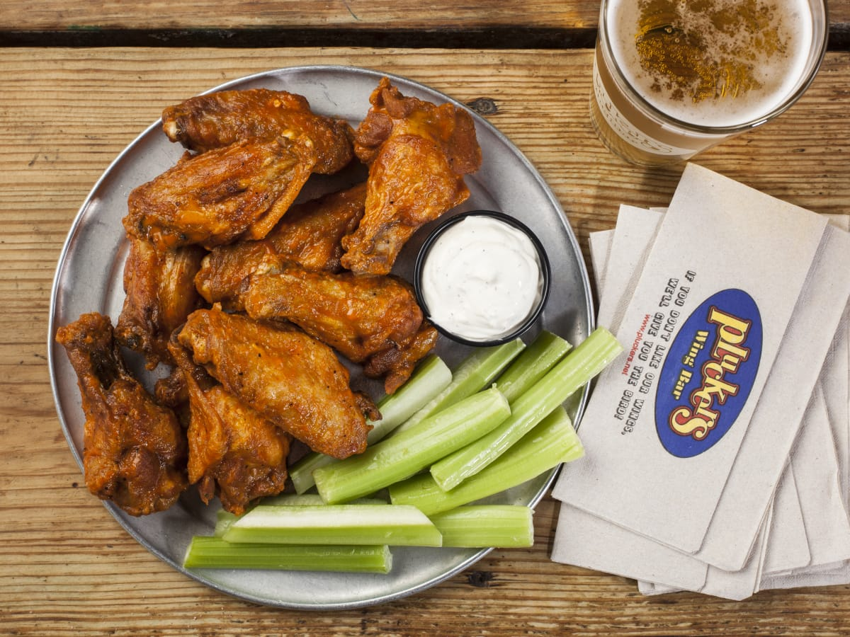 Pluckers 10 piece wings