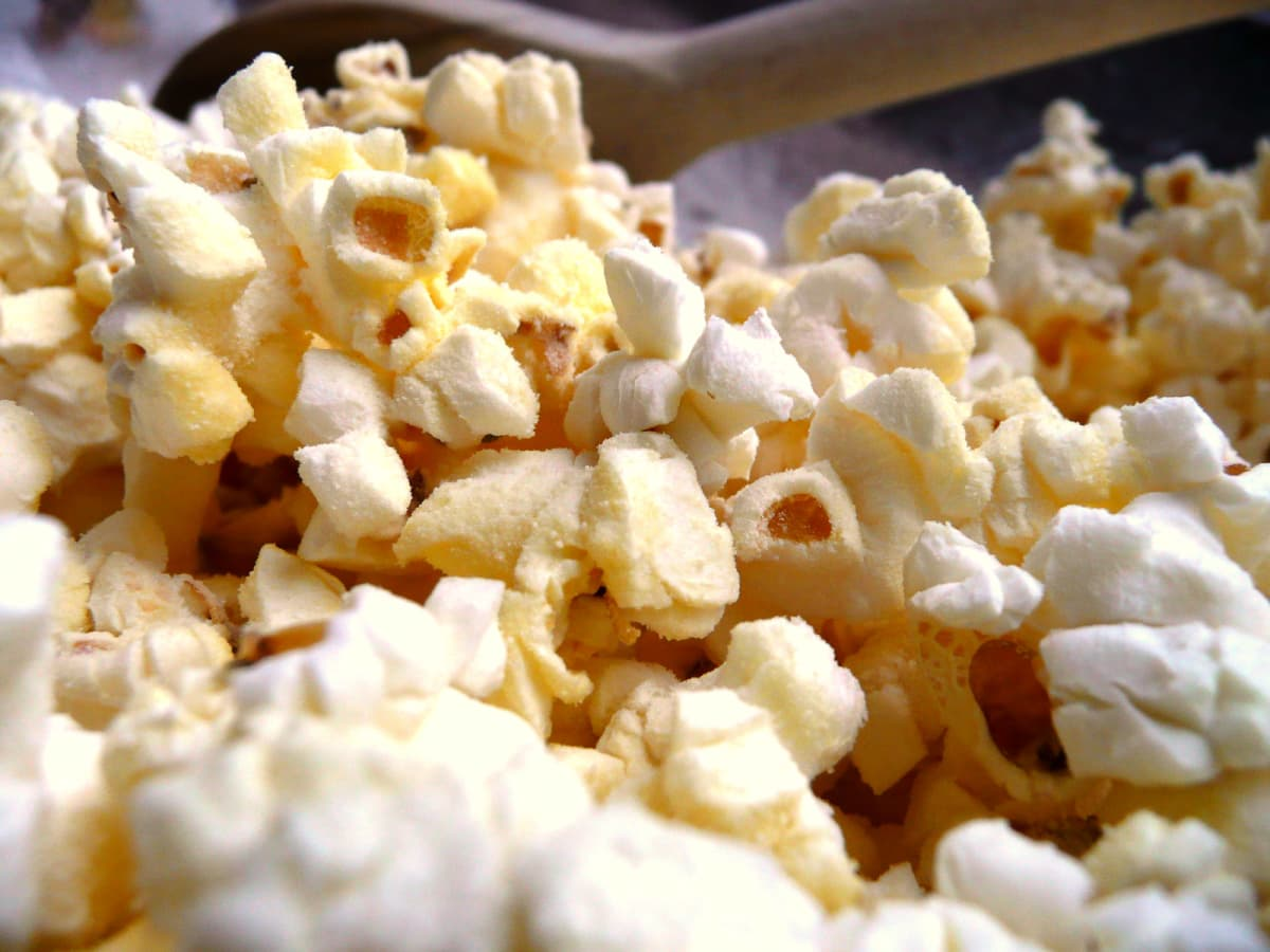News_Sarah Gish_River Oaks Theatre_Dec. 2009_popcorn_closeup_generic