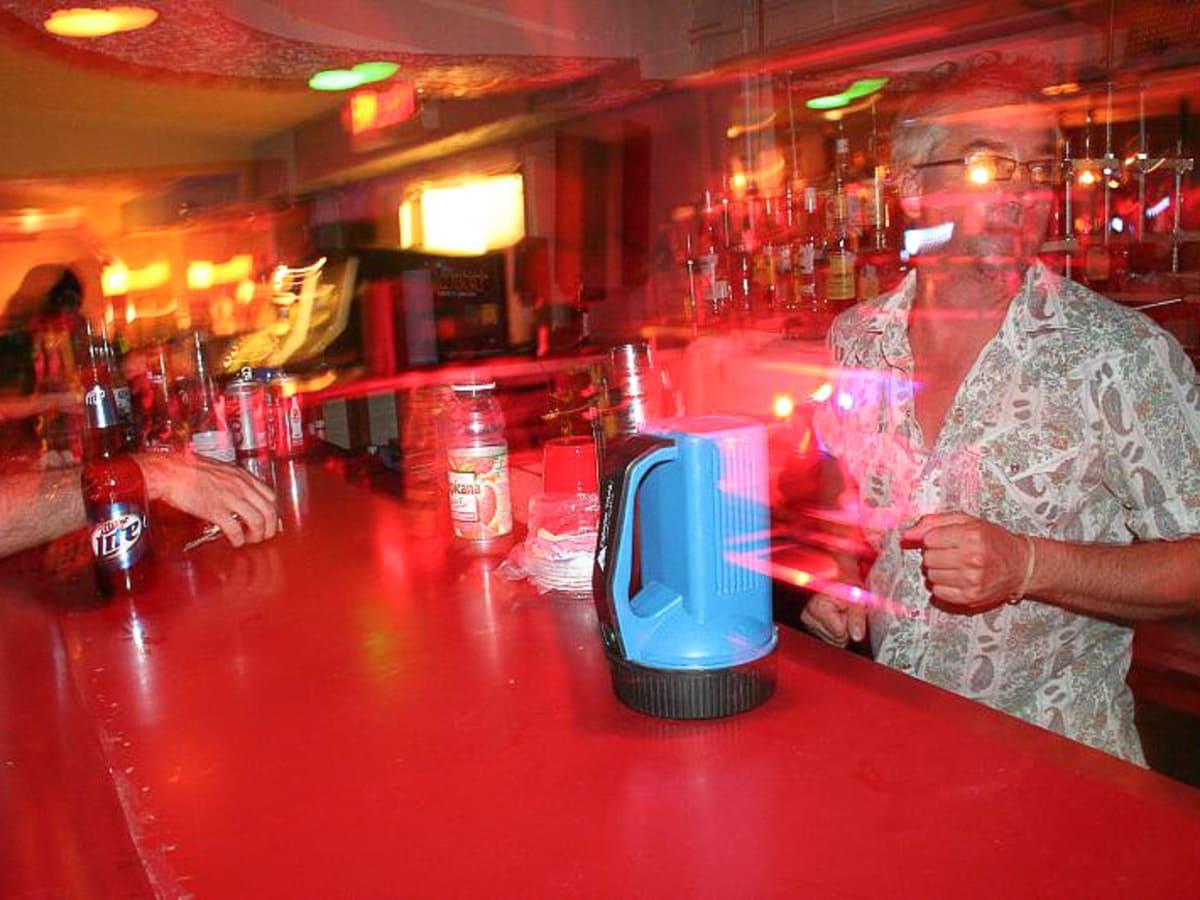 News_Big Star bar_interior_blurred