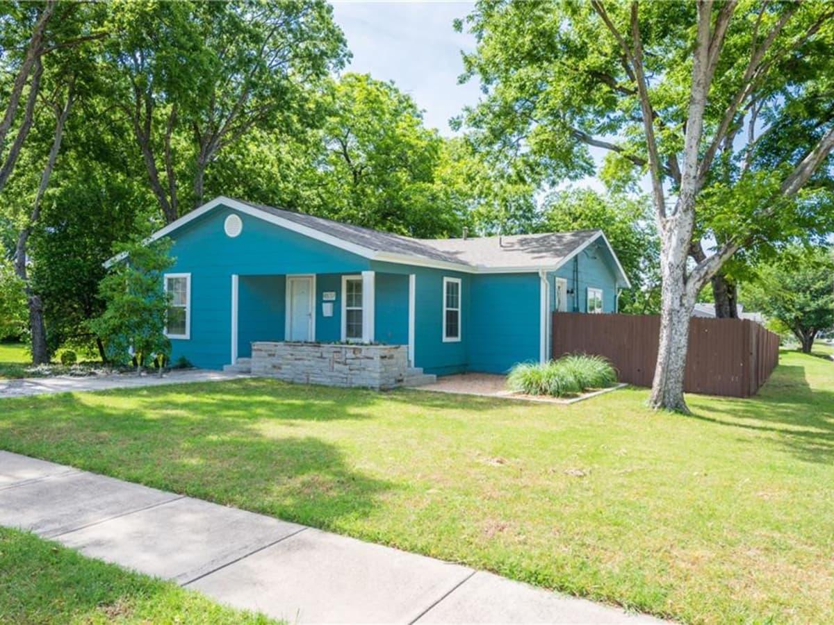 4837 Birchman Ave., Arlington Heights colorful doors, Fort Worth