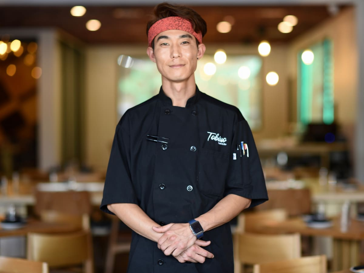 Mike Lim Tobiuo sushi