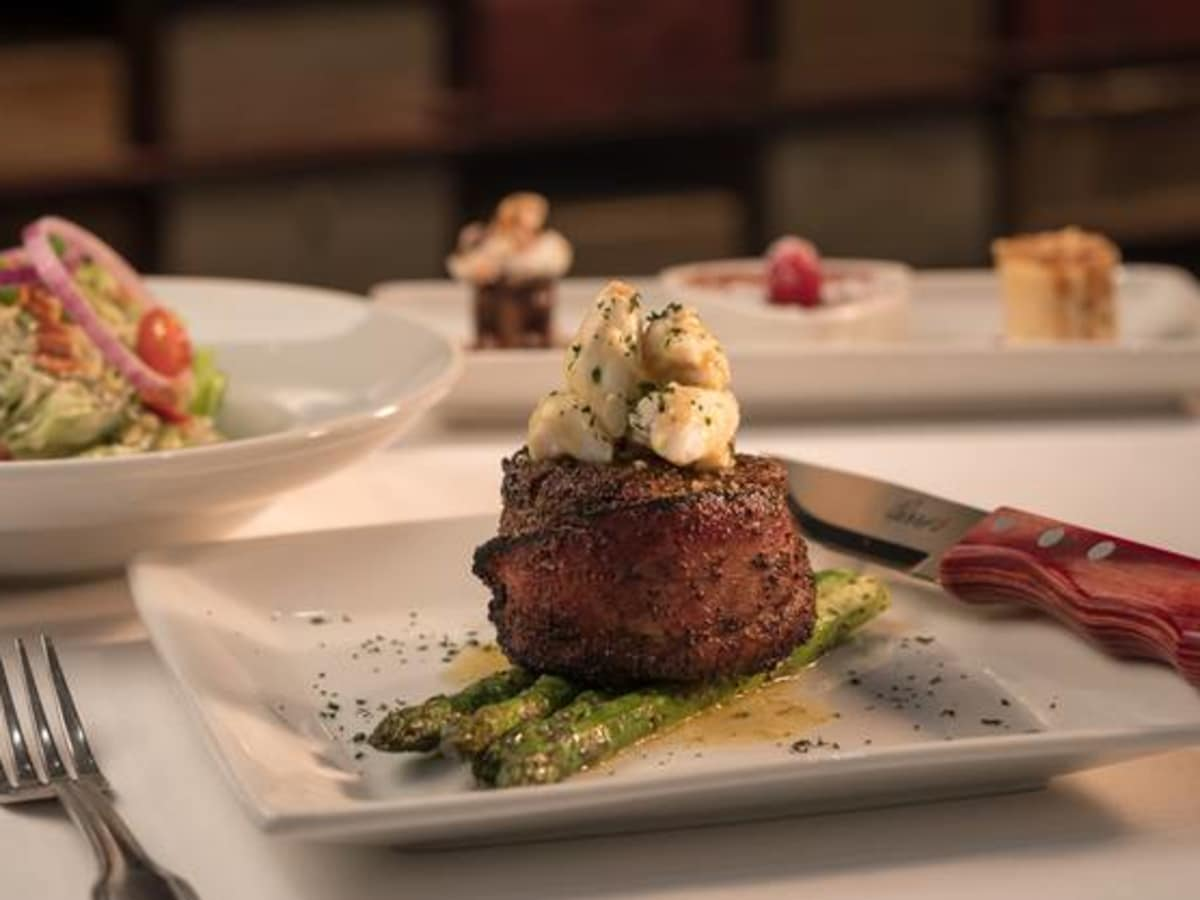 Perry's Steakhouse entrees
