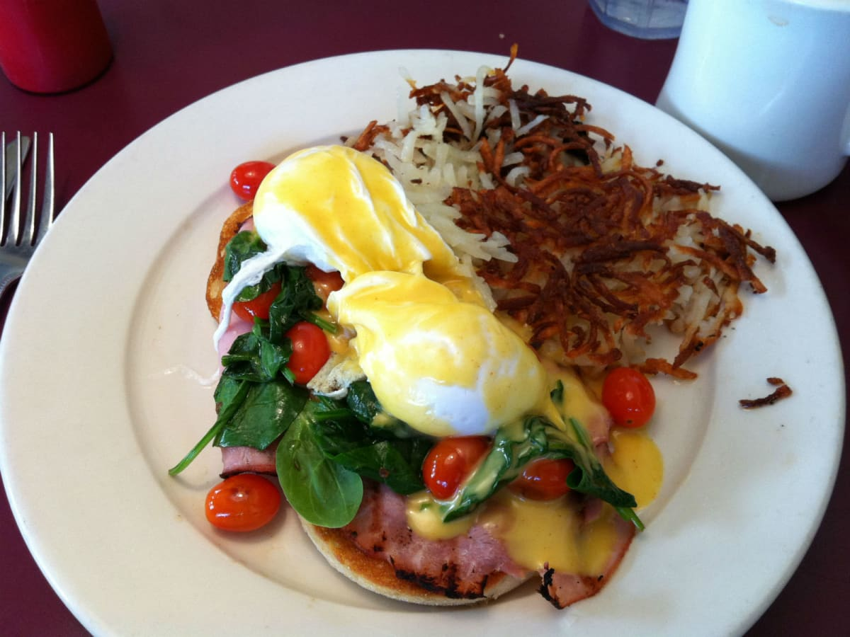 Dream Cafe, benedict