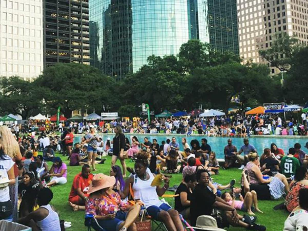 Houston Food Fest downtown crowd pond