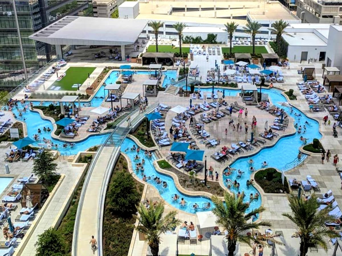 Marriot Marquis pool