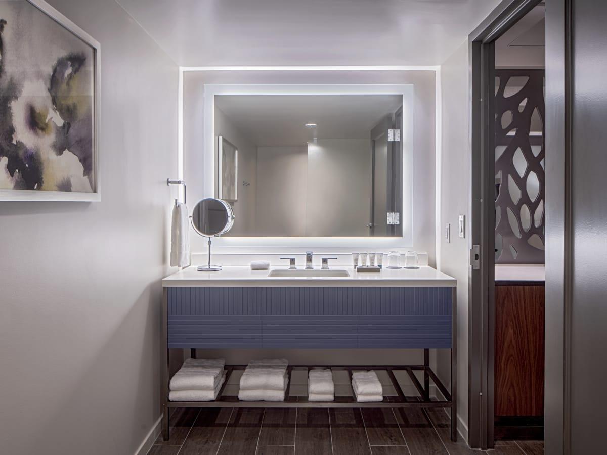 Westin Oaks Houston bathroom