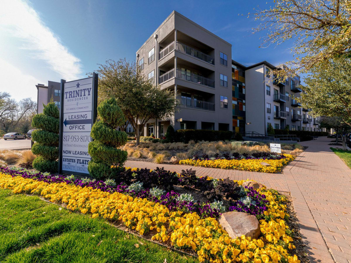 Trinity Residences apartments Fort Worth