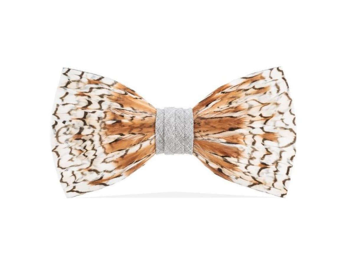 Brackish feather bow tie