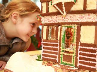 Highland Park Village's The Gingerbread Stroll