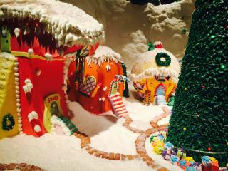 Ritz-Carlton, Dallas Gingerbread Castle