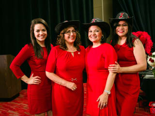American Heart Association presents Vestido Rojo