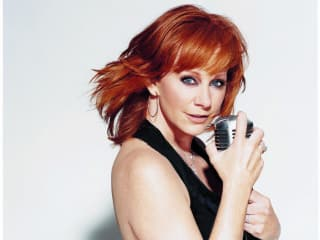 News_Michael D. Clark_Reba McEntire_with mic