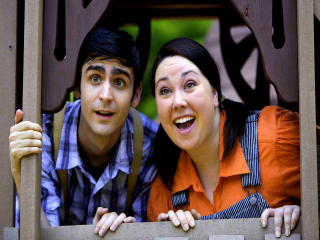 Jack (John Forgy) and Annie (Chaney Moore)