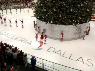 galleria dallas presents 2014 macy s grand tree lighting celebration