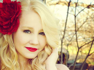 RaeLynn, The Voice, tree lighting