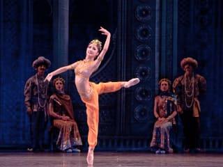 """Houston Ballet presents Stanton Welch's La Bayadère (""""The Temple Dancer"""")"""
