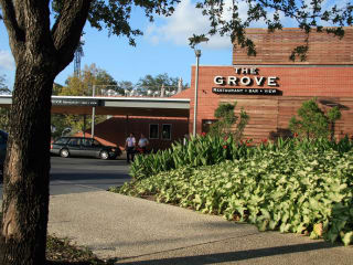 Places-Eat-The Grove-exterior-1