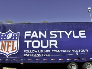 """NFL Fan Style Tour with Dayarlo Jamal """"D.J."""" Swearinger and Ted Johnson"""