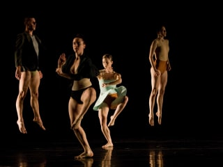 Dance Month at the Kaplan Theatre: Ate 9 dANCEcOMPANY