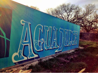 Agua Dulce Farm sign_East Austin