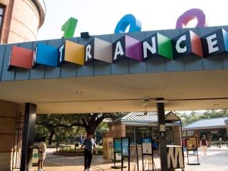 News_Houston Zoo_entrance