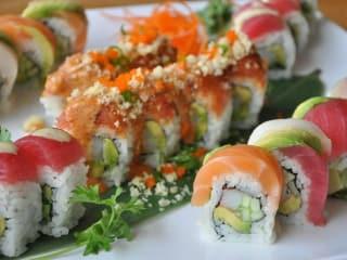 Pacific Rim Sushi & Yakitori Lounge_Austin_sushi closeup_2015